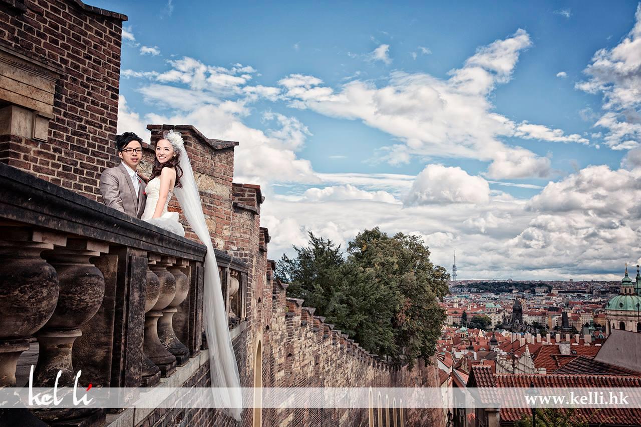 從布拉格城堡上拍下的布拉格城市,再加上藍天白雲,絕配。 從布拉格城堡上拍下的布拉格城市,再加上藍天白雲,絕配。