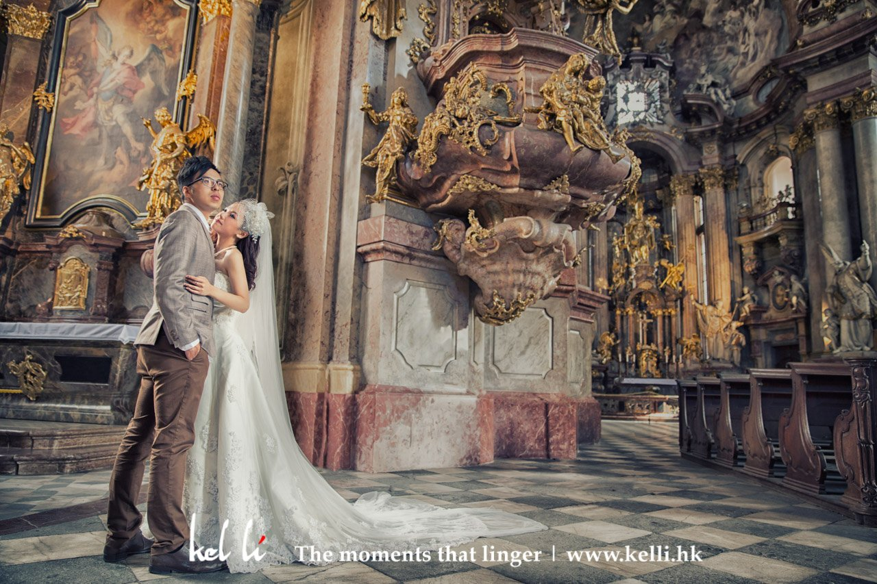 布拉格教堂裡的情侶, 婚紗照 | Lovers in the Prague church