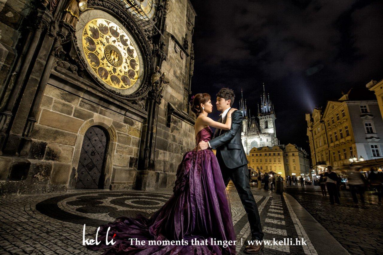 夜上的天文鐘與白天是不的感覺,但也是同樣的美 | Prewedding in the Astronomical Clock at night is different feeling but still beautiful