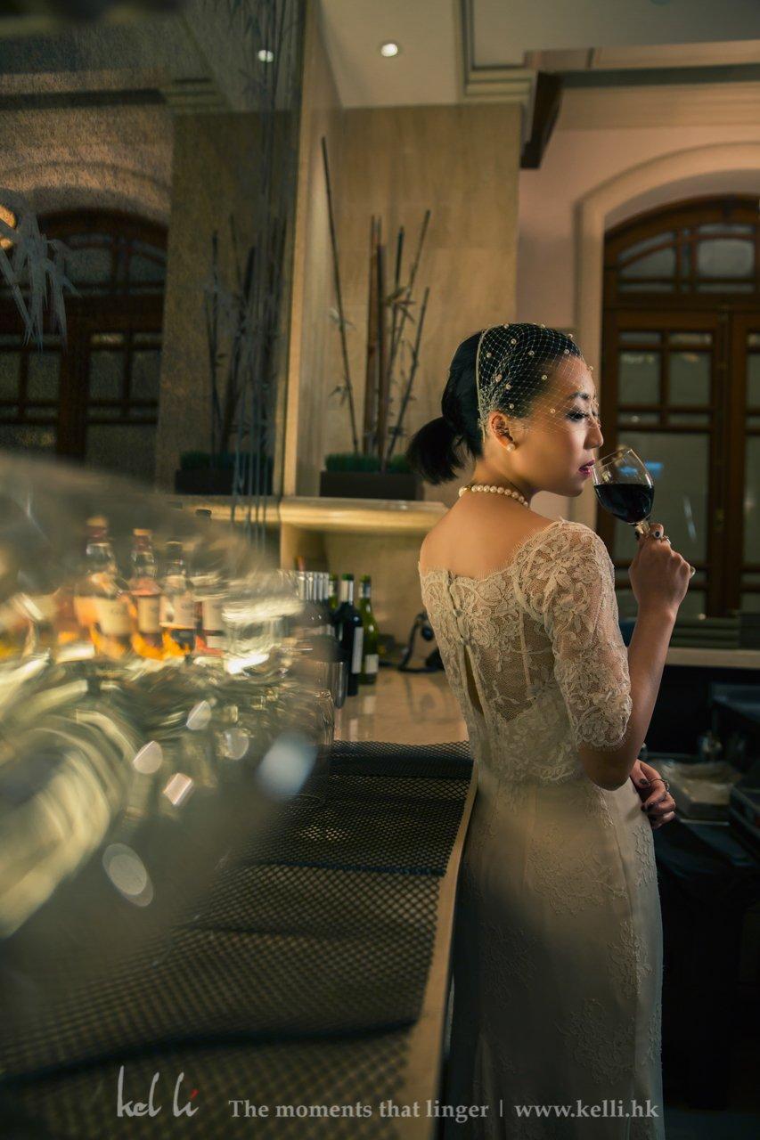 有時婚禮就係可以忙得咁,成日可以完全不受外界影響而情情地拍攝既時間,可能就係5分鐘要影完呢一part相,可以的話,請俾我20分鐘,我可以影到更多