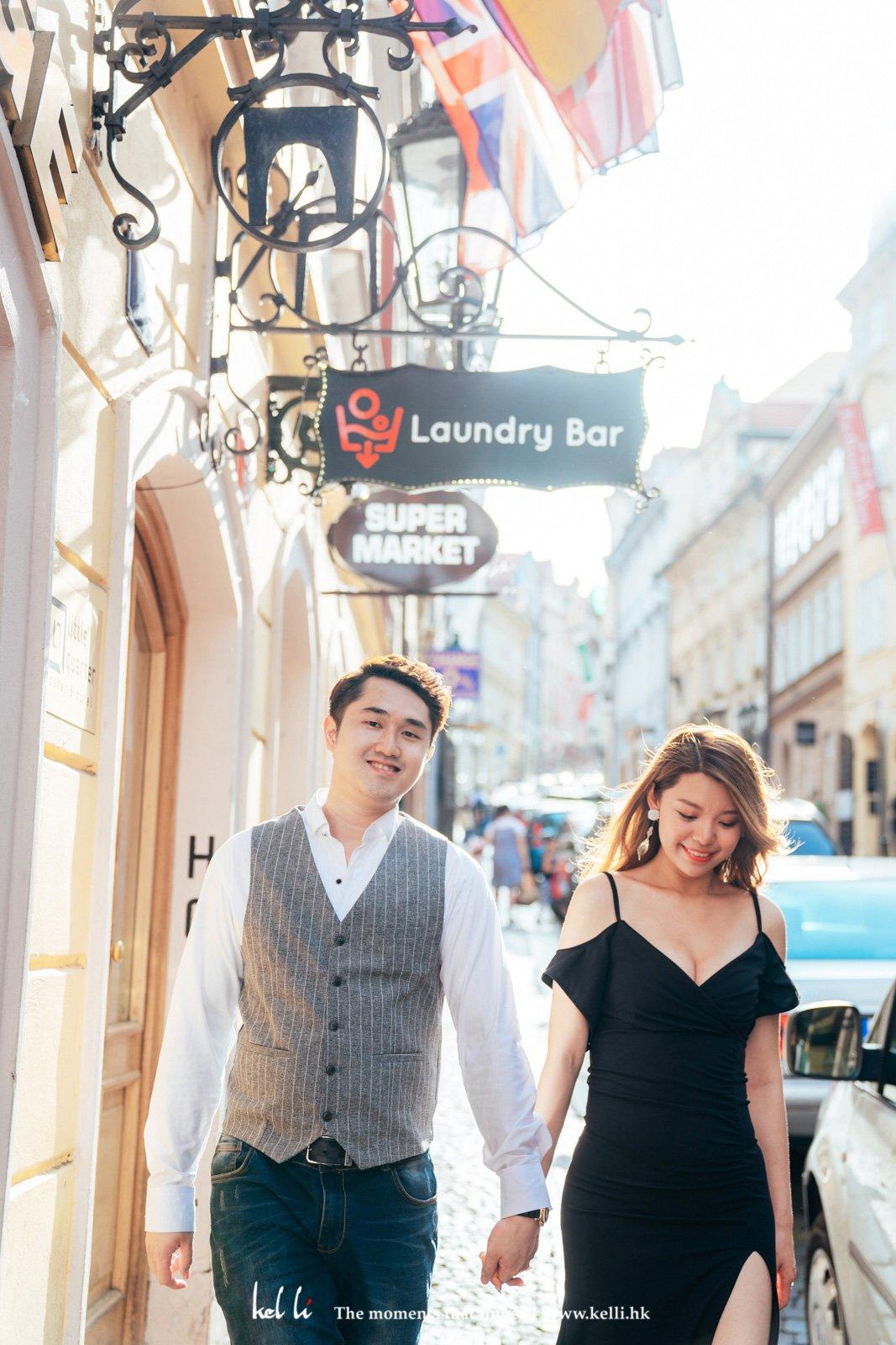 很喜歡這種歐洲小品,穿梭在布拉格的大街小巷,很隨意的抓拍