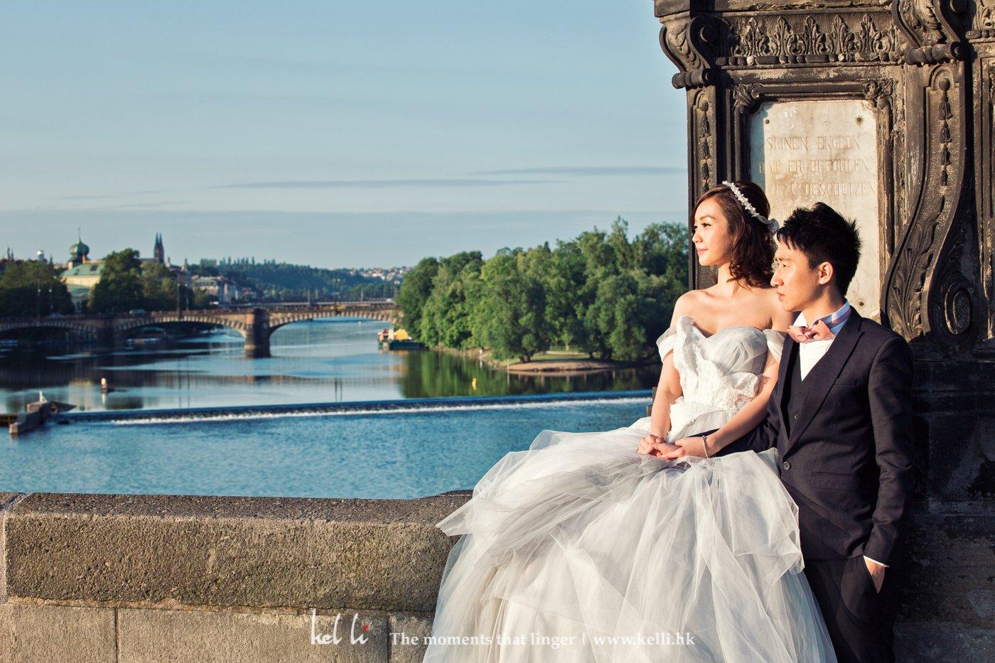 在查理大橋拍婚紗照,最重要的是三個字,早