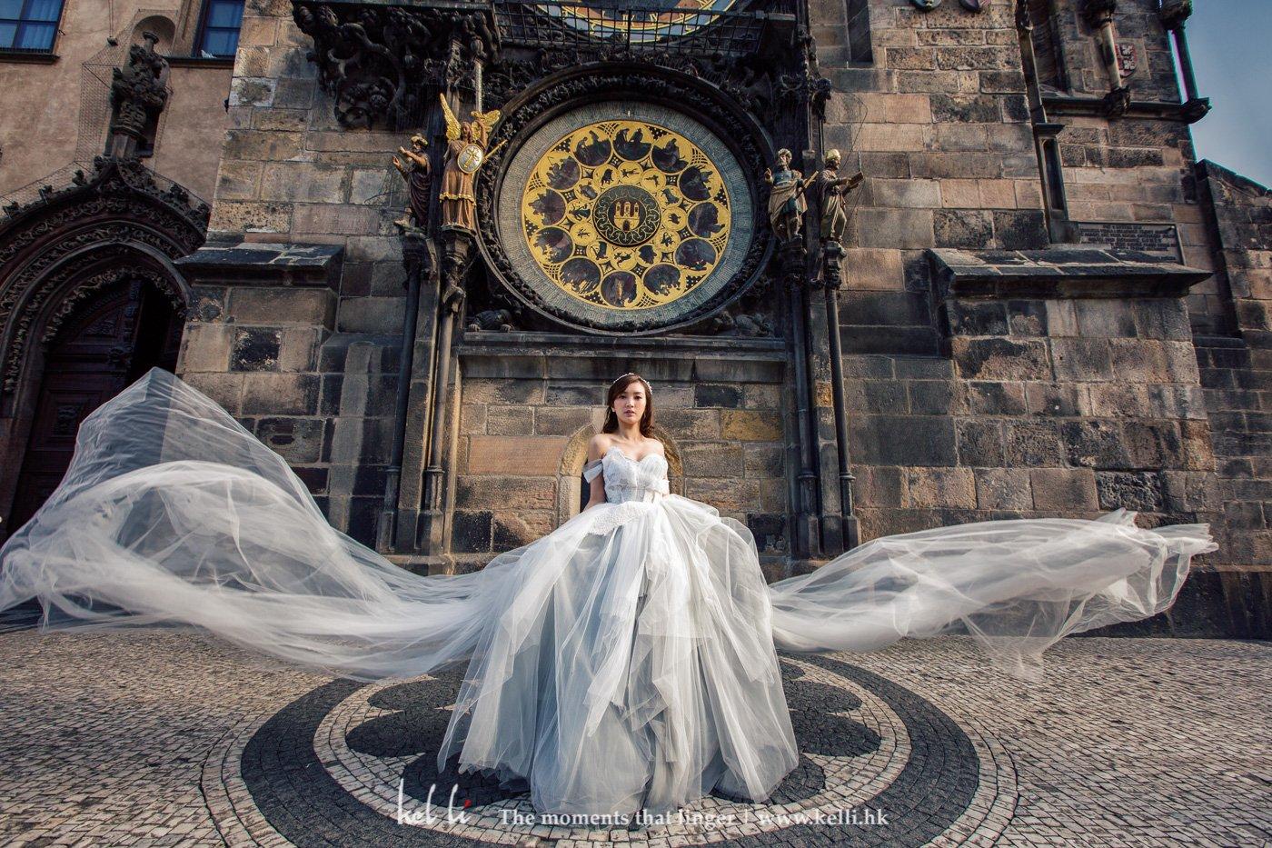 天文鐘下的婚紗相