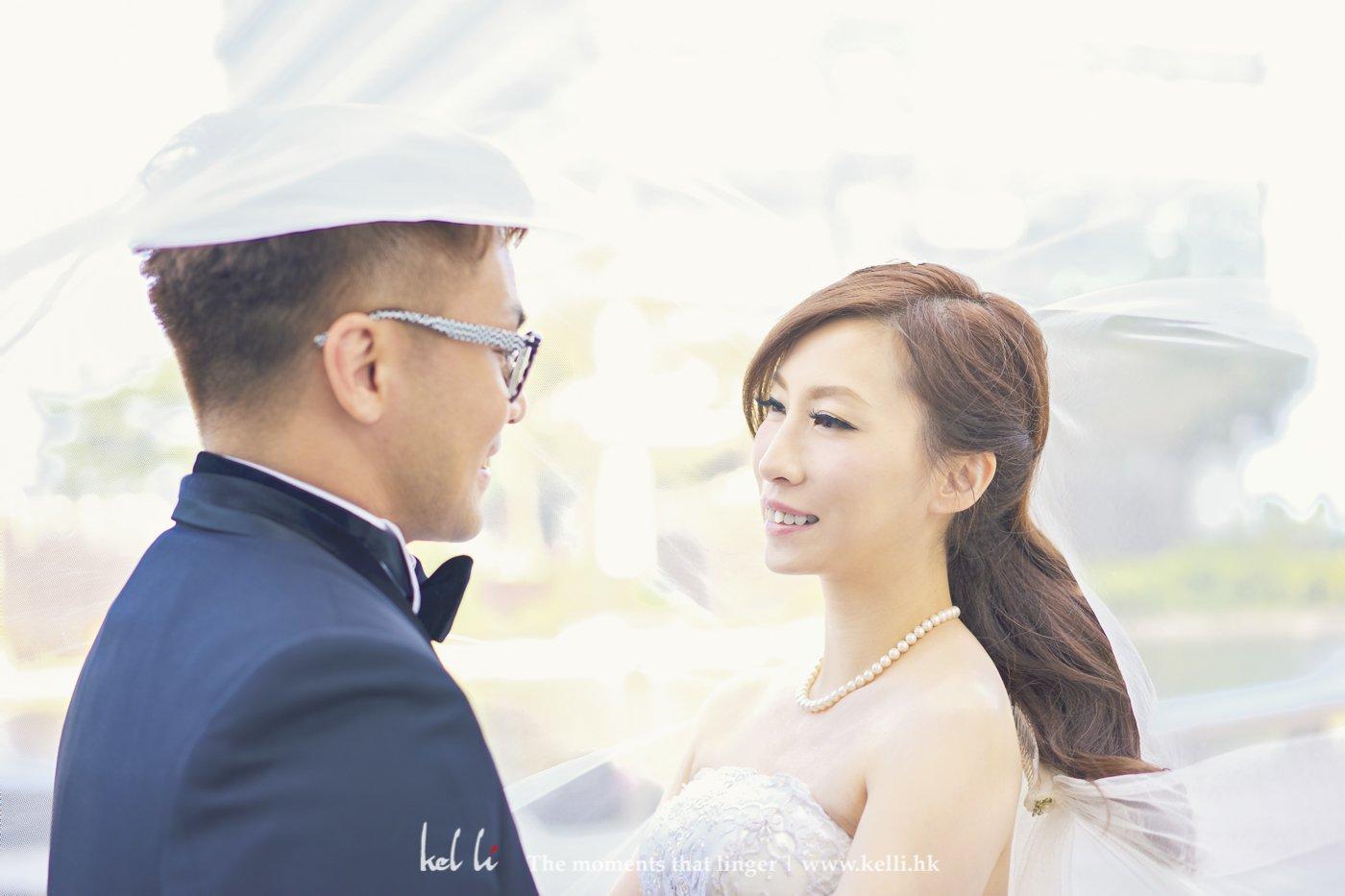 婚紗與頭紗是最佳的拍檔