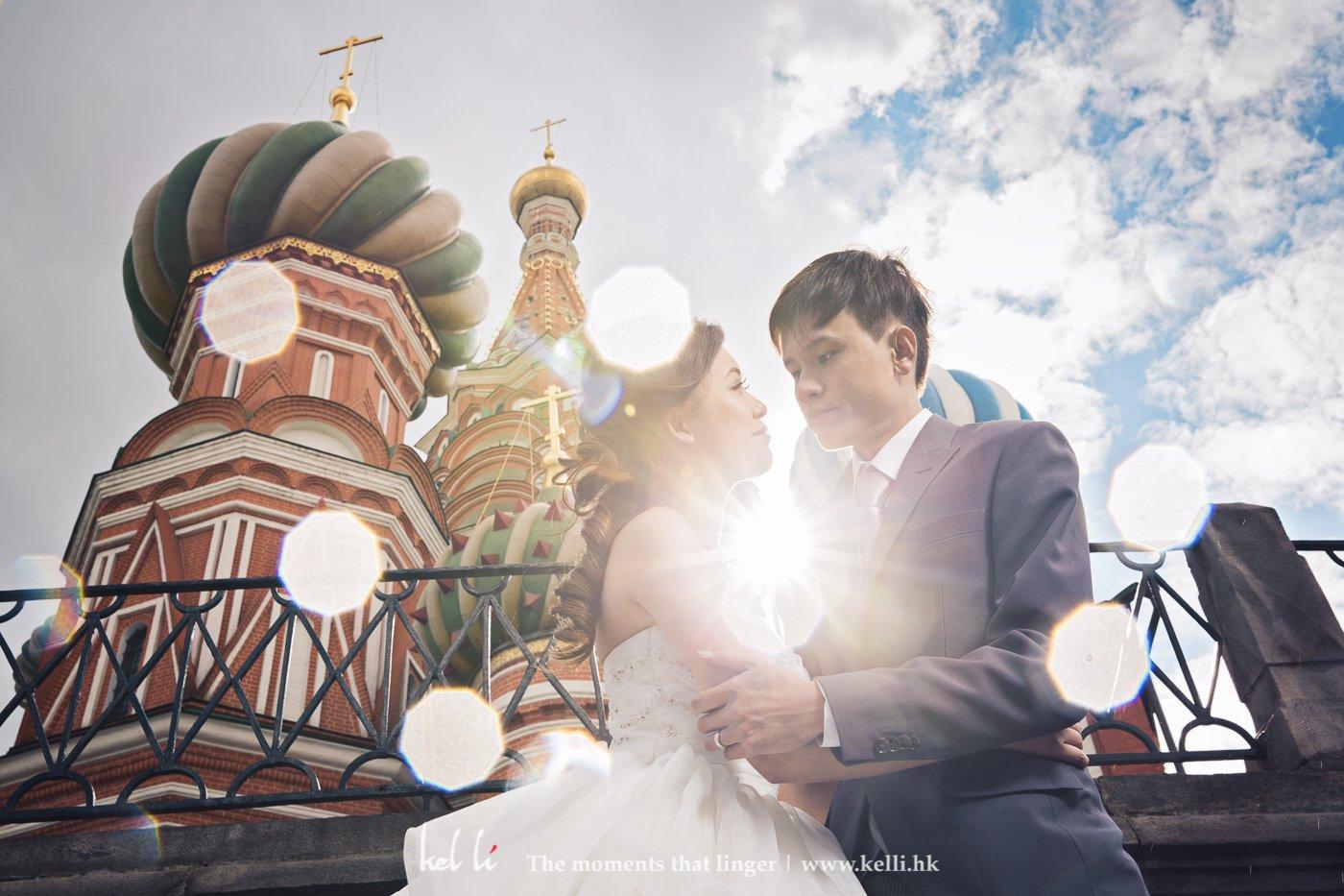 當天部份時間是下著雨,雨點打在鏡頭形成的光斑,在莫斯科地標-聖瓦西裏升天教堂襯托下份外美麗