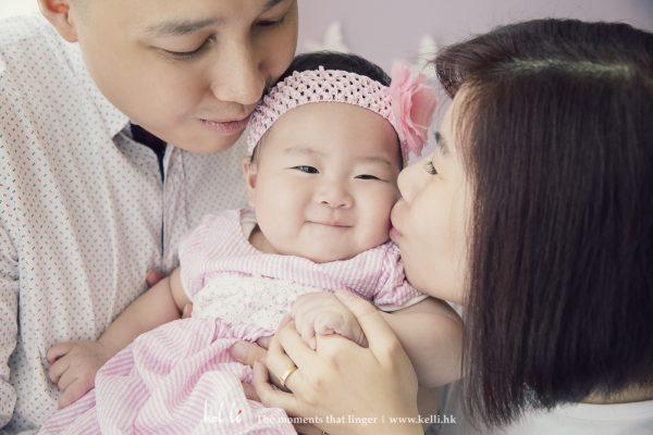 有BB的笑容拍出來的家庭照特別溫馨