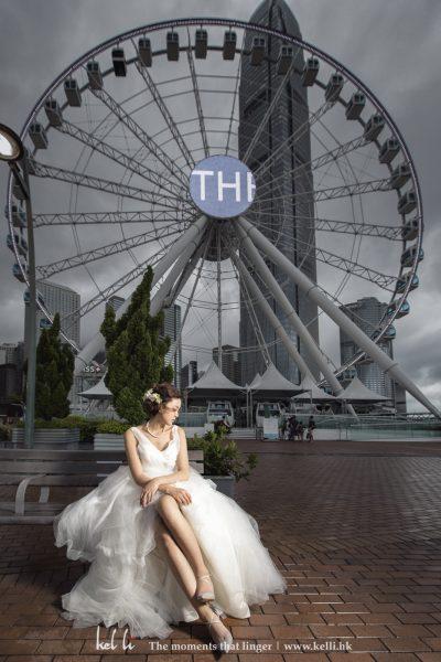 有人用摩天輪來形容天方地老的愛情, 所以來到中環影婚紗相又點會決少摩天輪