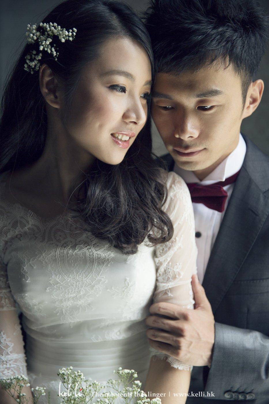 酒店里的婚纱合照