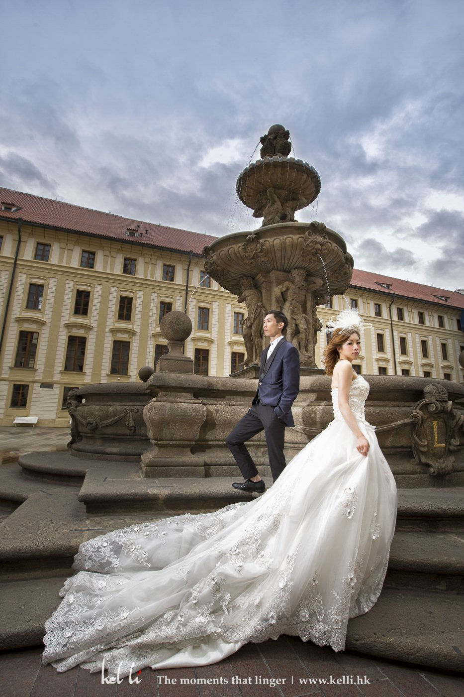 上到城堡,新人在站在爱丽的喷水池上