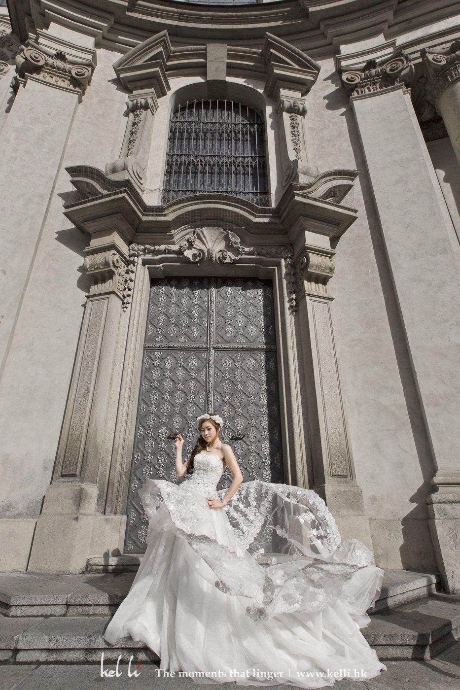 宏伟建筑配美女, 这张婚纱照都很不错