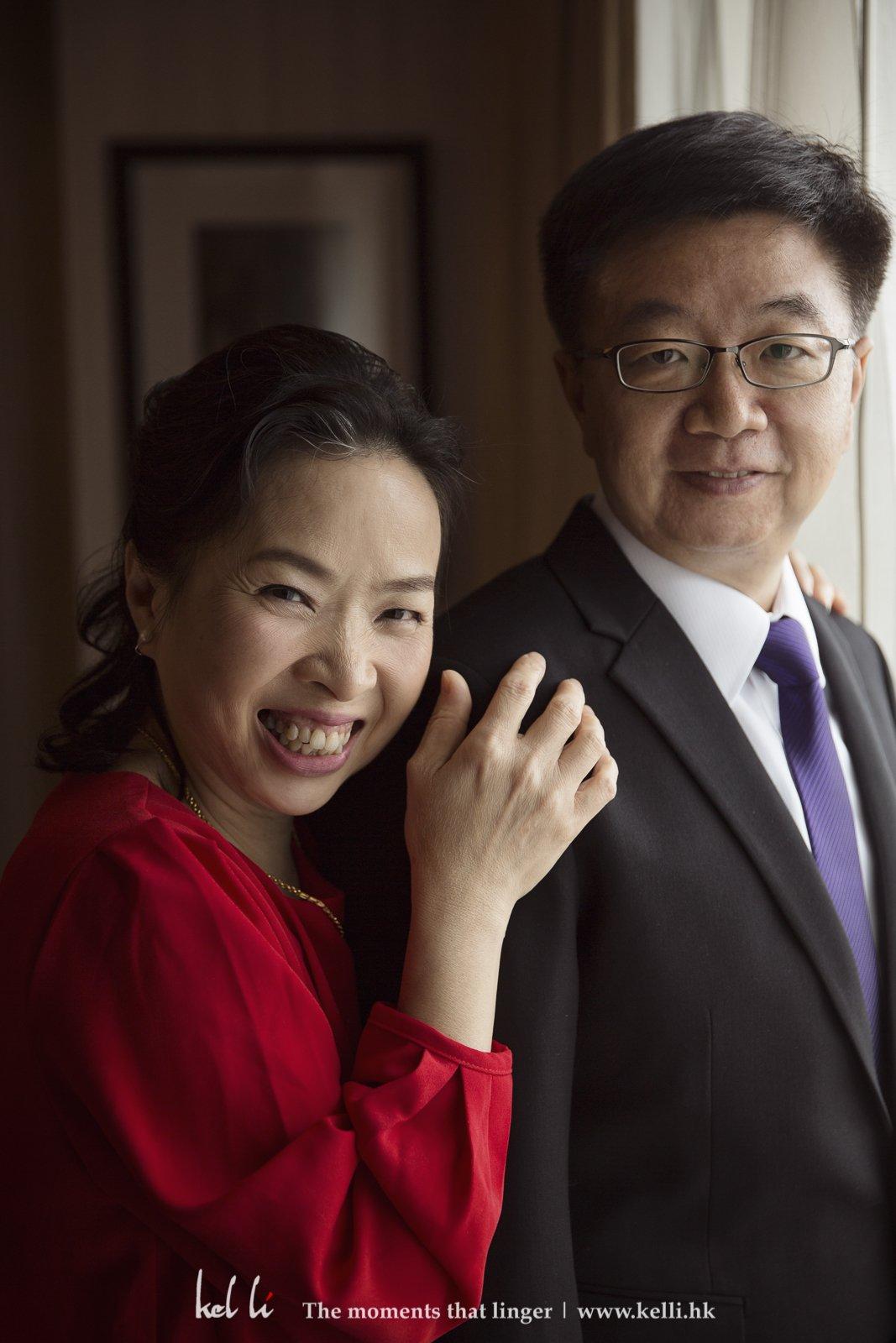 女兒出嫁做父母的特別開心