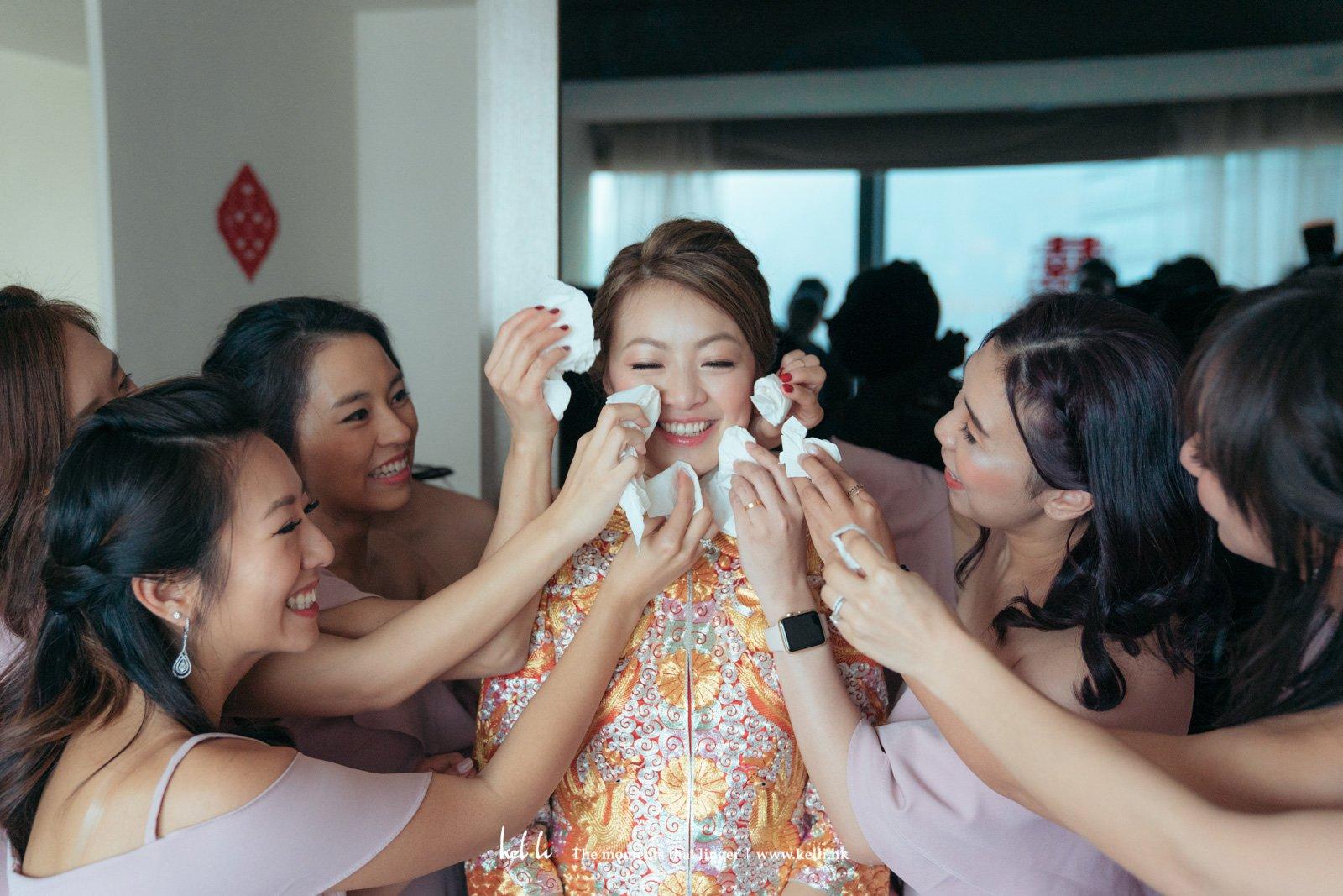 幸福的紙巾,是婚禮攝影師必備的裝備