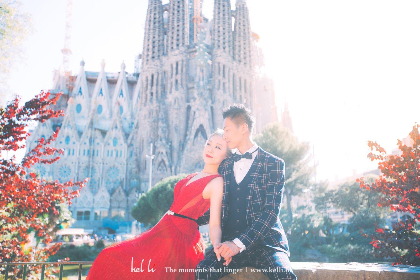 聖家堂(La Sagrada Familia)絕對也是巴塞隆拿地標,加上斜陽,是溫暖,是浪漫