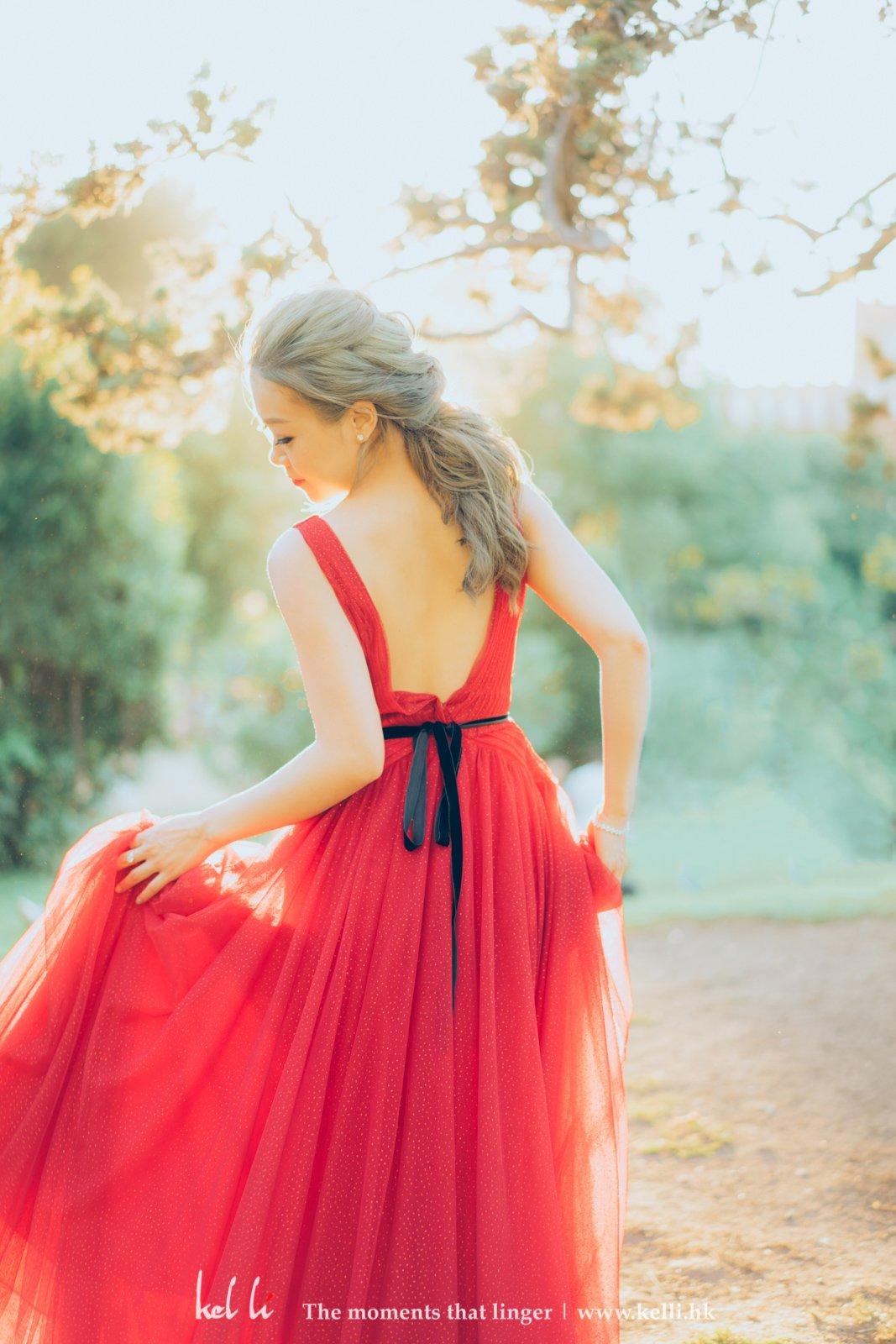輕輕的牽動著紗,俏俏的走進心扉。
