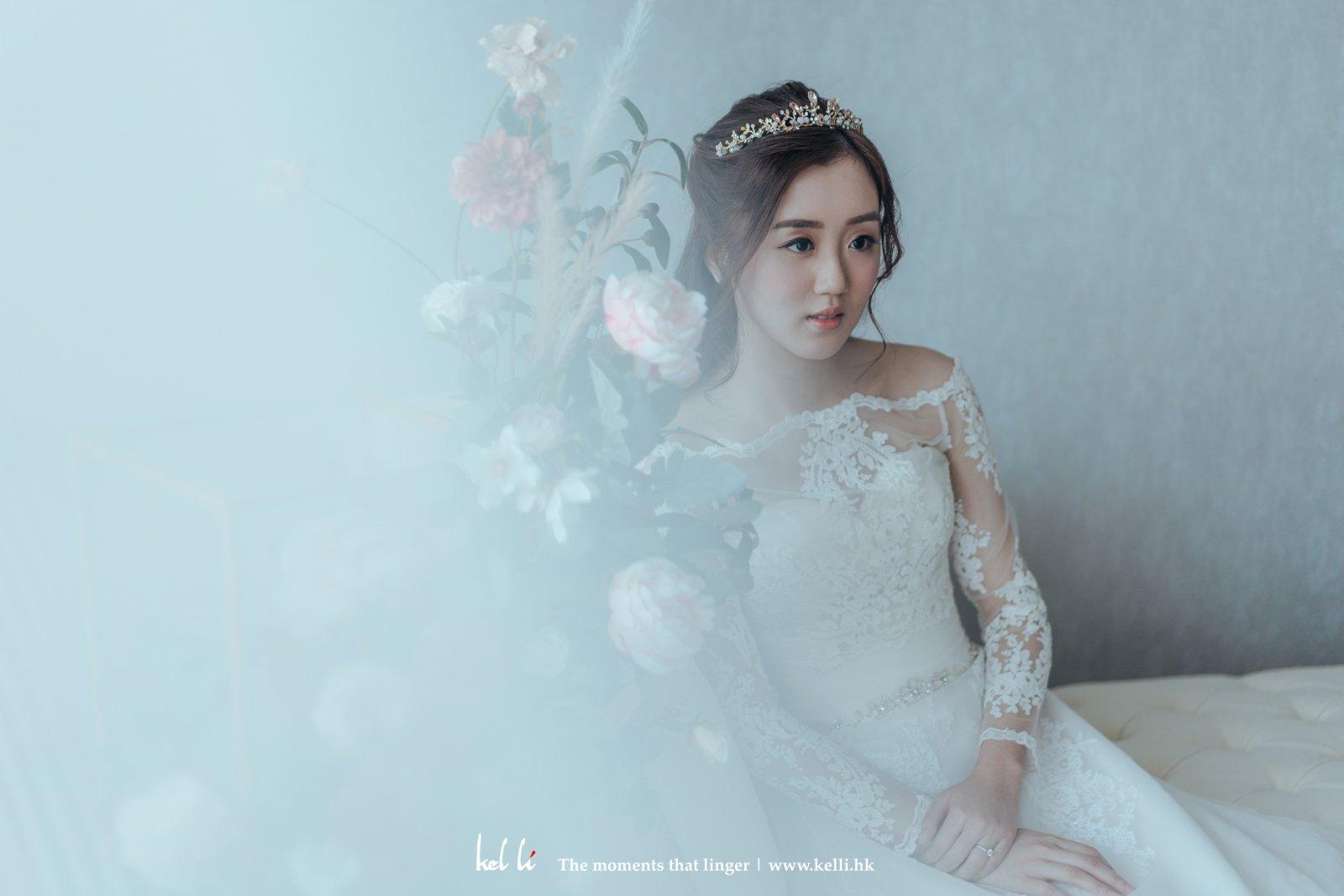 花系背景的婚紗攝影