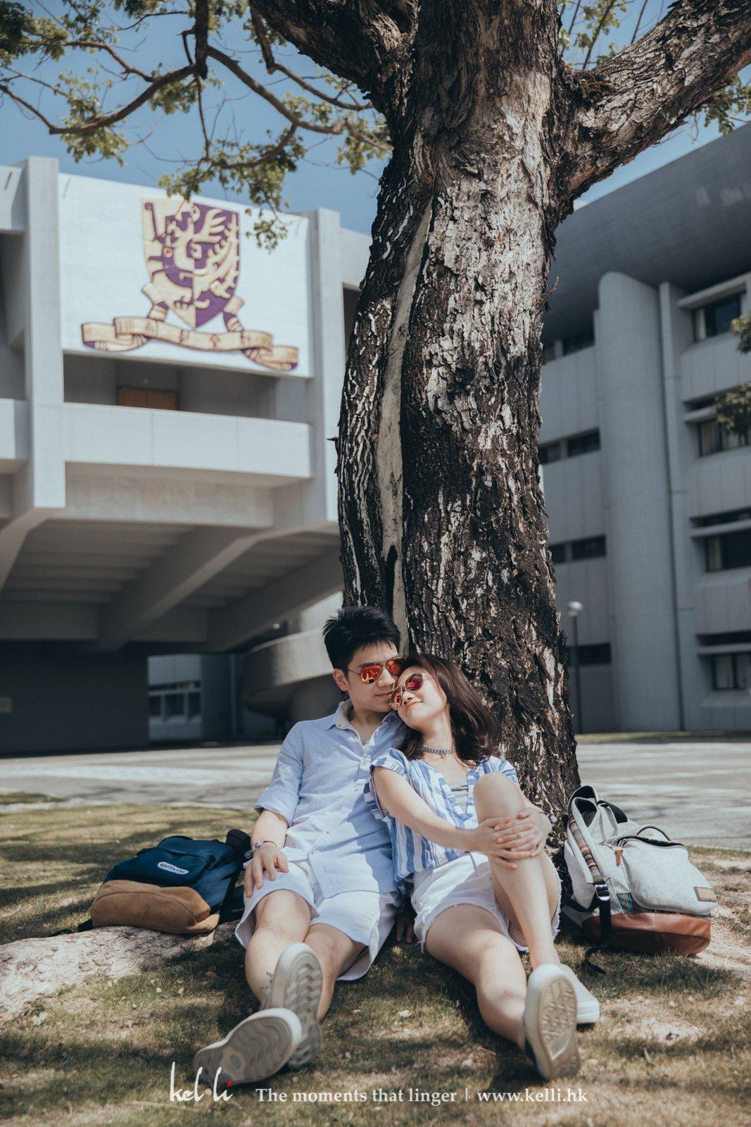 這對情侶好曬~ 需要戴太陽眼鏡的,應該是其他人吧?