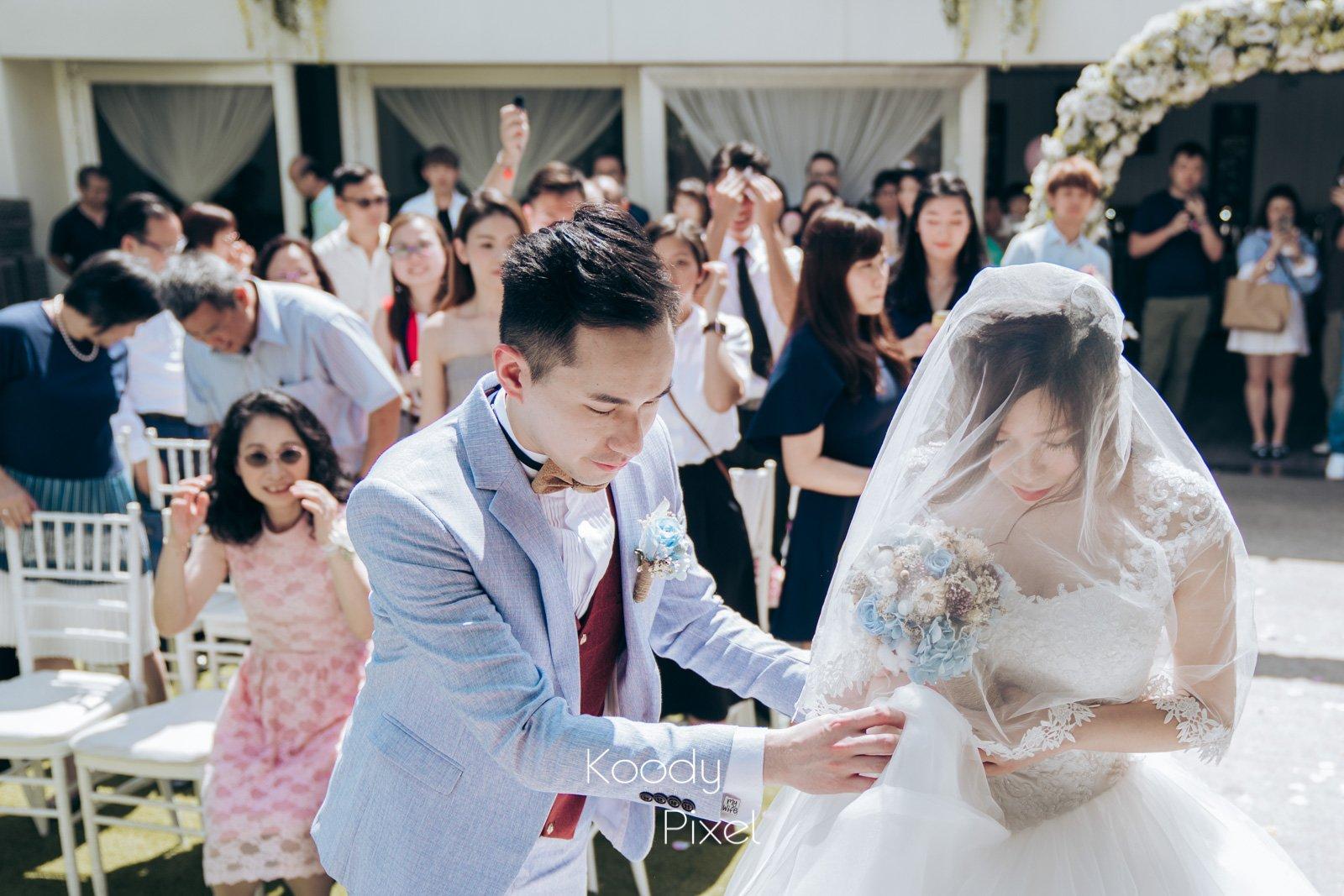 一個簡單的婚禮午宴,盛載著豐富的情感,這是因為婚禮從裝潢及環節從來都不是重點,與身邊的最愛共渡這值得細味的一天,這才是婚禮的定義。
