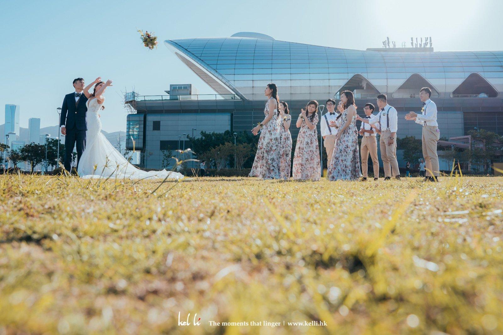 新娘拋花球的一遜間
