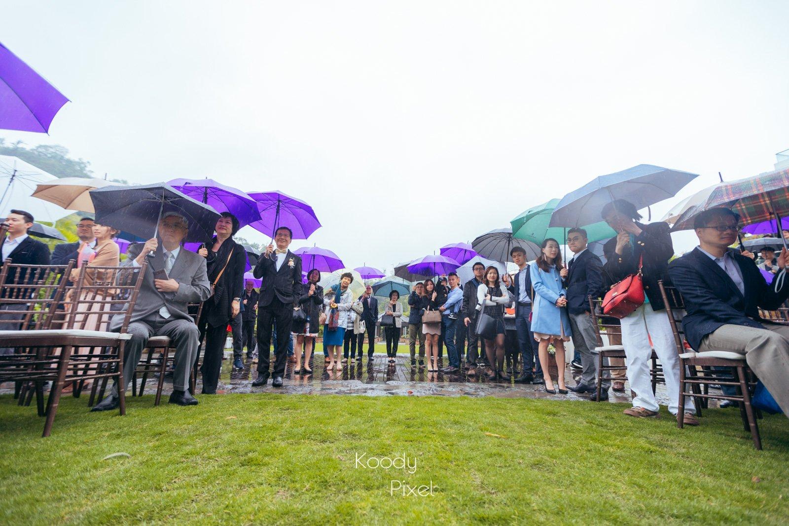 大雨也無礙朋友們參加Wedding的心情